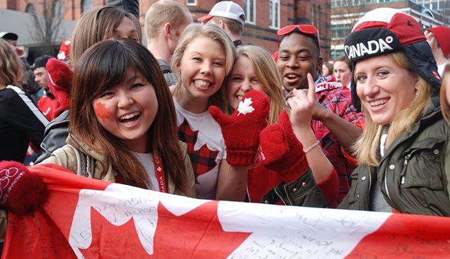 回中国更好混?没有的事!调查显示,60%中国留学生毕业后都想留在加拿大!