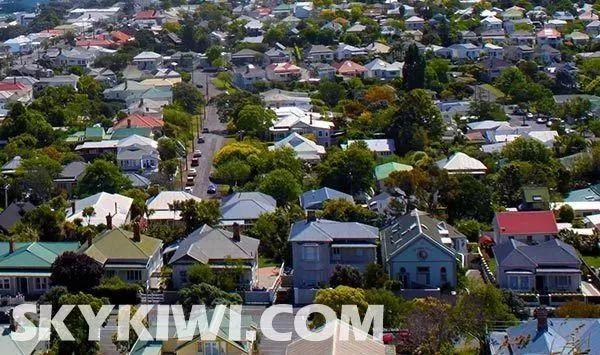 在新西兰想一人赚钱养一家三口,年薪至少需要达到多少?太扎心了…