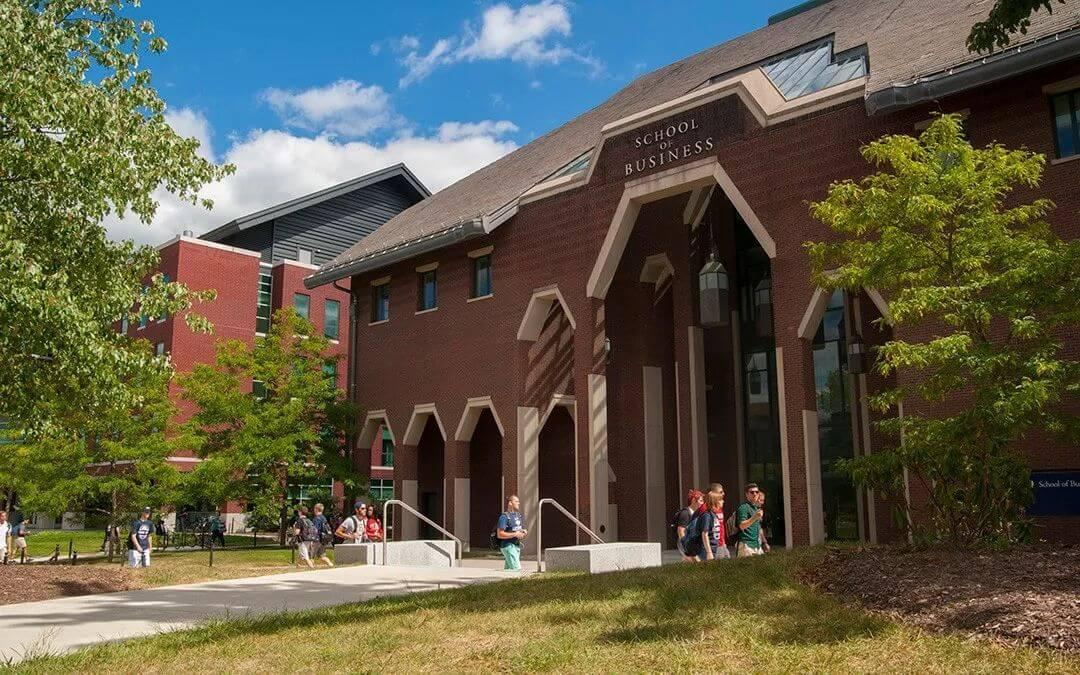 康涅狄格大学:别小看我,我的邻居可是耶鲁大学
