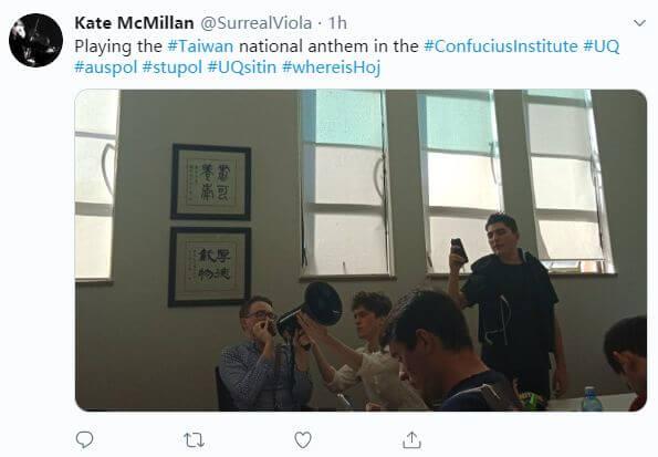 港独分子大闹澳洲昆士兰大学,中国留学生正面刚!现场高唱中国国歌!