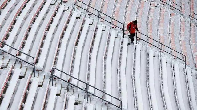 比肩南北极,全美下雪最多的10所名校,第一名看名字就赢了