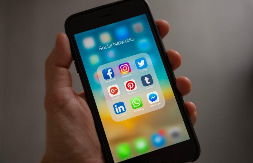 网瘾=毒瘾?一大批美国人正在被社交媒体毁掉...