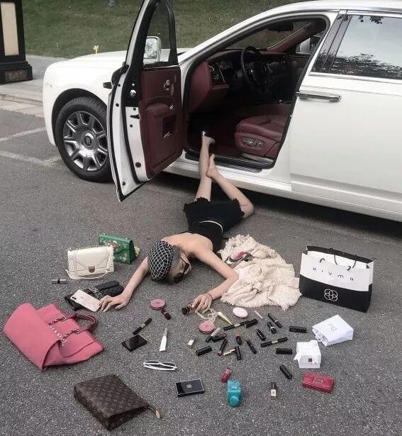 加拿大留学生被吐槽:住地下室,吃泡面,开豪车