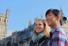 加拿大留学生被吐槽:住地下室,吃泡面,开豪车-留学世界 Study Overseas Global Study Abroad Programs Overseas Student International Studies Abroad